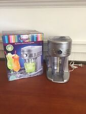 Nostalgia FBS400Platinum Silver Retro Series 32-Ounce Frozen Beverage Station -