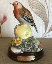 ROYAL DOULTON ROBIN ON APPLE GARDEN BIRDS COLLECTION No DA 12 PERFECT