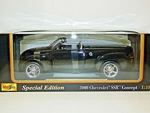 Maisto Special Edition 2000 Chevrolet SSR Concept Car