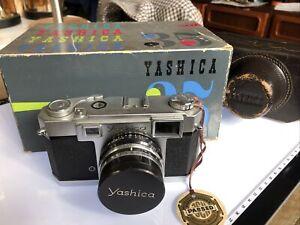 Yashica 35 Rangefinder F2.8 Yashinon Lens A1+
