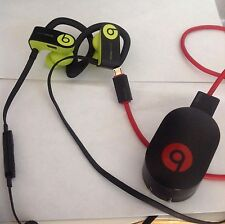 RaffleReesees Powerbeats3 Wireless Earphones - Shock Yellow