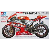 Tamiya 14100 Yamaha YZR-M1 '04 No.7/No.33 1/12