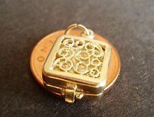 BEAUTIFUL 9CT GOLD OPENING ' TRAVEL CLOCK ' CHARM