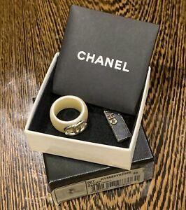 Chanel cc logo resin ring