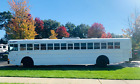 2009 INTERNATIONAL CE 44 PASSENGER BUS WITH A CUMMINS AND ONLY 26K MILES