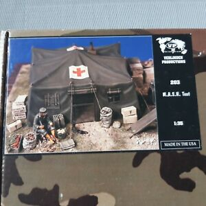 "Verlinden Productions 1/35 Kit n°203 ""M.A.S.H. Tent"" Diorama"