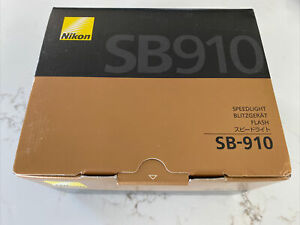 Nikon Speedlight SB-910 Speedlight Flash for Nikon - Mint in Box, Open Box