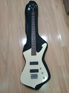 Ibanez Iceman ICB200EX Bass Guitar + Gig Bag