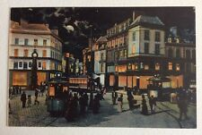 CPA. AMIENS. 80 - 5. La Place Gambetta. LL. Nuit. Lune. Lumières. Tramways.