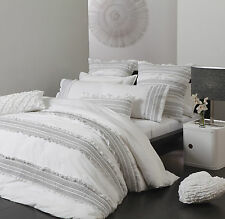 "New LOGAN and MASON ""MIA WHITE"" Black Ruffles DOUBLE Quilt/Doona/Duvet Cover Set"