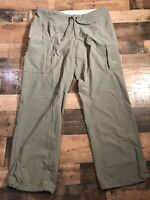 Mountain Hardware Women's Casual Hiking Pants Size 12 Olive Green (36x32)