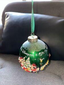 Boule NOEL CHRISTMAS VERTE GREEN Disneyland Paris Mickey MINNIE PINOCCHIO DAISY