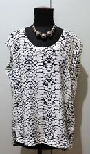 *Immaculate Size 12 Luxe Deluxe Black & White Silk Blouse- 56cm Bust