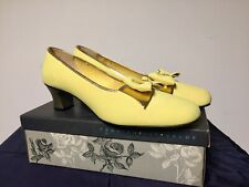 Vintage Classic Size 10 Bright Yellow 1970's Era Ladies High Heel Shoes Nos