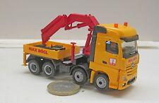 """MB0494:   MB Bigspace  8x8  Zugmaschine  mit Atlas LK  """"Max Bögl"""""""