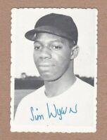 1969 Topps Deckle Edge Baseball Card #11 Jim Wynn - Houston Astros EX