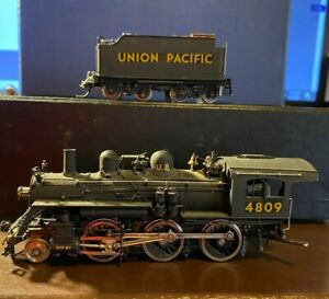 PACIFIC FAST MAIL - HO Scale Brass Locomotive/Tender - B-15 - UP 2-6-0
