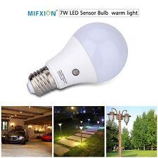 7W E27 Dusk to Dawn Auto Sensor Light Bulb LED Lamp Indoor/Outdoor Lighting Lamp
