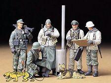 Deutsche Soldaten während einer Feldbesprechung - 1:35 - Tamiya 35212