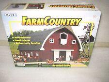 Brand New 2001 HTF Ertl Farm Country Rounded Gable Barn Playset 1/64 12201