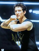 Miles Teller Signed Autographed 11X14 Photo Divergent Fighting Stance GV852567