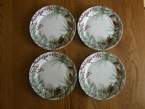 Set 4:Woodland Berry Dinner Plates - Up North, Christmas, Nature - New