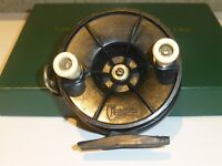 """VINTAGE COLLECTABLE AUSTRALIAN """"ACADEMY"""" FISHING REEL 1950s VGC Early Plastic's"""