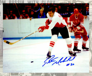 Peter Mahovlich  Team Canada 1972 Summit Series Autographed 8x10