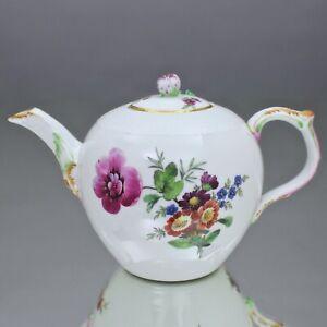 KPM Berlin um 1780: kleine Teekanne mit Blumen, Osier, Kännchen, Kanne, teapot