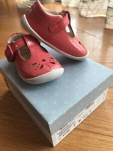 Clarks Roamer Star Toddler Leather Baby Girl Shoes in Coral Patent Sz 4 Leather