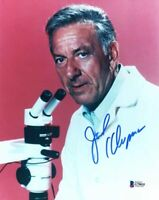 JACK KLUGMAN SIGNED AUTOGRAPHED 8x10 PHOTO QUINCY LEGENDARY ACTOR BECKETT BAS