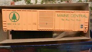 Roundhouse MDC HO Maine Central Modern 50' Boxcar Kit, NIb