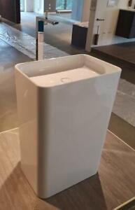 BetteArt Monolith - freistehender Design Waschtisch - weiß - UVP 2.874 EUR