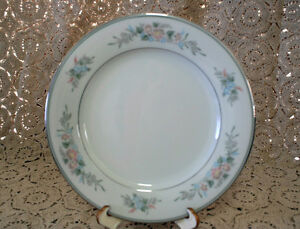 """NORITAKE, """"ROMANCE"""", #6022, ENTREE PLATE, VERY GOOD/EXCELLENT CONDITION"""