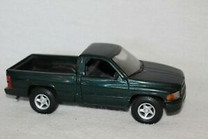 Maisto Special Edition Deep Green 2003 DODGE RAM 1500 V8 TRUCK ~ 1:26 Scale