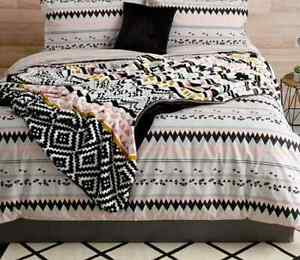 Geometric Reversible Soft Plush Blanket Throw - Black White Pink Grey  Queen Bed