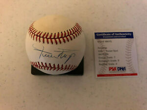 Willie Mays signed baseball PSA DNA