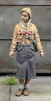 1:35 Scale WWII German Civilians Girls Miniatures High Quality Resin Kit