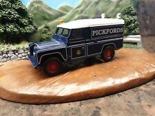 Corgi Pickfords Land Rover 1:50