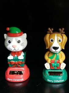 Lot Of 2 Solar Powered Christmas Character Bobbleheads Cat and Dog- CUTE New