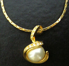 18KGP S Snake White South Sea Shell Pearl Crystal Women Pendant Chain Necklace