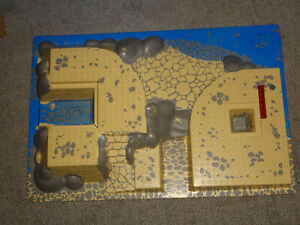 Lego Raised Base Plate World City Coast Watch Headquarters - 44510 From Set 7047