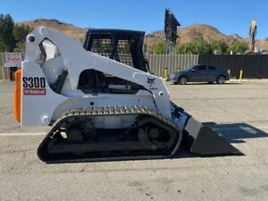 BOBCT S300 LOW HOURS, INCLOSED, VTS TRACKS, 81 HP, VERY CLEAN EX CITY SINCE NEW