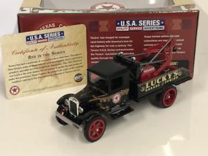 Texaco Tow Truck 1931 Hawkeye 1:34 Scale Auto World AWCP7515