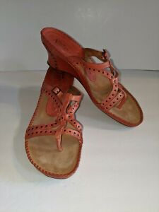 Clarks Artisan Womens 11M Orange Leather Wedge Heel Strappy Thong Sandals Shoe