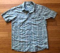 Columbia Men's Short Sleeve Button-Up Shirt Plaid Blue Omni-Shade Medium