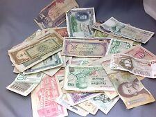 Lot de 100 billets du Monde (3)
