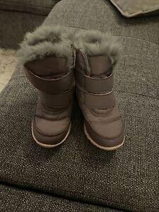 Girls Sorel Winter Boots Size 8