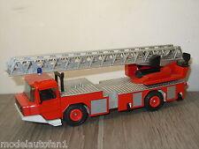 Magirus Deutz DL 23-12 Fire Truck van Gama 3546 Germany *6208