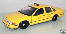 UT Models 1:18 142095 Chevrolet Caprice Taxi Yellow Cab New York (LL4481) o.